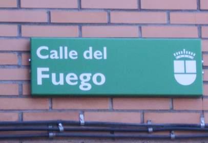Piso en calle del Fuego, cerca de Calle Oviedo