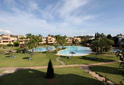 Dúplex en Urbanización Alhambra del Golf