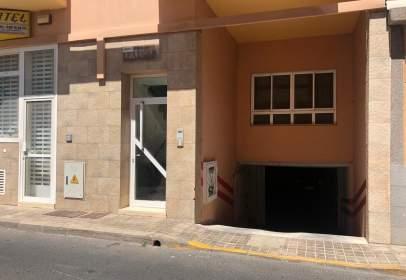 Garatge a calle de Faycán, 28, prop de Calle Maestro Falla