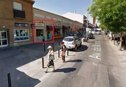 Local comercial en Avenida de Madrid, nº 28