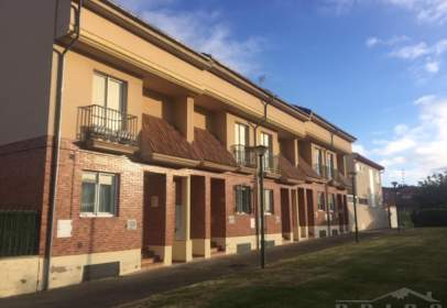 House in Villatoro-Villafría-Castañares-La Ventilla
