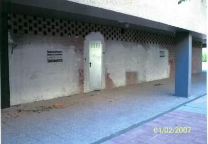 Commercial space in Avenida Santa Maria de La Cabeza , nº 16