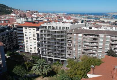 Flat in calle Pedro Icaza Aguirre,  10 B
