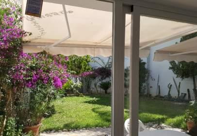 Casa unifamiliar en Plaza Huerta de en Medio, nº 21