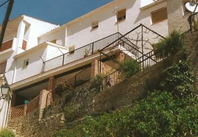 Casa adosada en Seguro de La Sierra