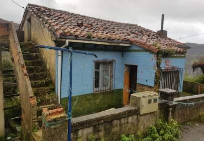 Single-family house in Camino Las Felechosas, nº 6