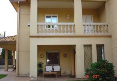 Casa en Avenida Digonal Esteller, nº 71