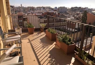 Flat in Plaça de Josep FreIxa I Argemí