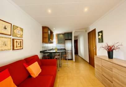 Apartamento en Avinguda de Castelldefels, cerca de Passeig del Pitort