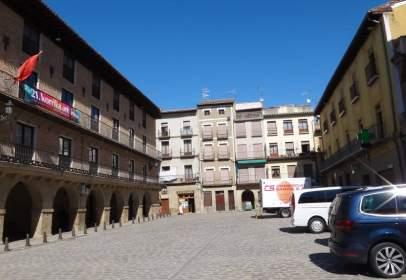 Piso en calle Mayor, cerca de Plaza de Juan de Mena