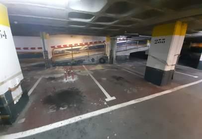 Garage in Parque Felix Rodriguez de La Fuente