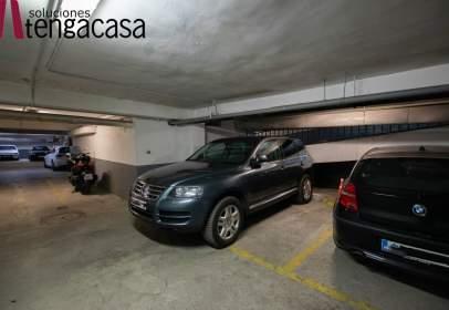 Garage in calle de Clara del Rey, near Pasaje de Pradillo