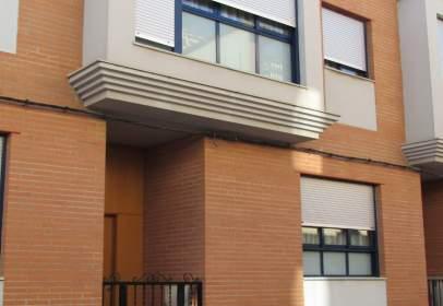 Casa adosada en calle Pintor Segrelles