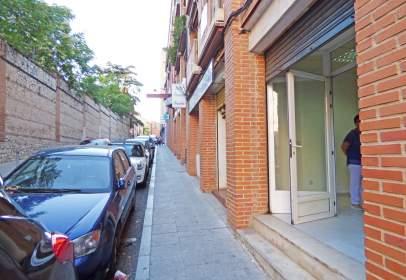 Local comercial a Constitución-Balconcillo
