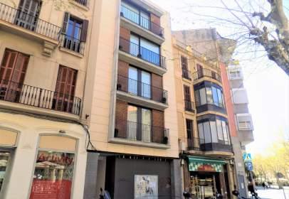 Local comercial a Passeig de Pere III, prop de Carrer d' Angel Guimerà