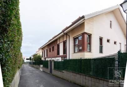 Duplex in Barrio de las Salas