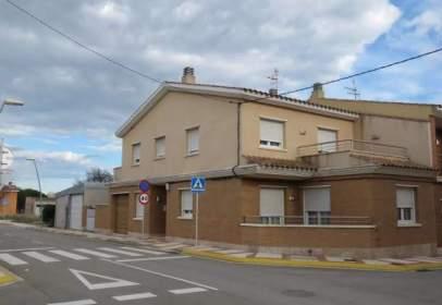 Casa adosada en Carrer del Clavell, cerca de Carrer de Joan Carles I