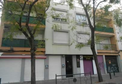 Piso en calle Afán de Ribera, cerca de Calle Diamantino García Acosta