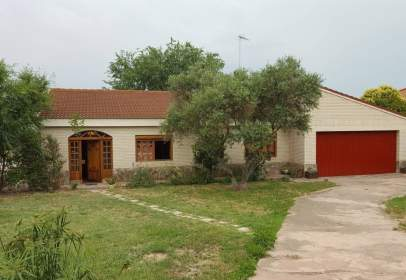 House in Avenida Aragon El Condado, nº 30