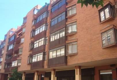 Pis a calle Alfonso de Montalvo, nº 26
