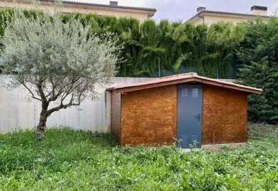 Casa adosada en calle del Río Elorz, nº 8