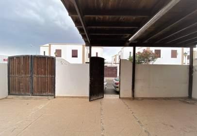 Casa adosada en calle de Popa