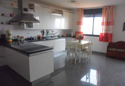 Penthouse in calle Plaza La Milagrosa, nº 23