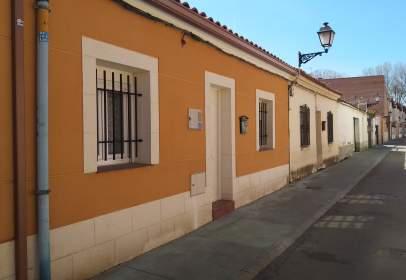 Casa en Paseo de Padre Faustino Calvo