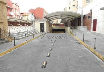 Garatge a calle de Andrés Cortina