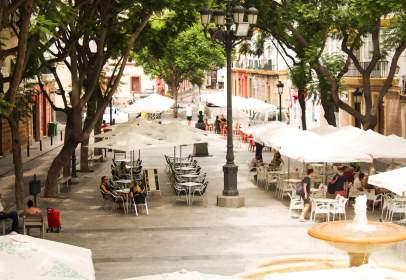 Pis a Plaza Mentidero