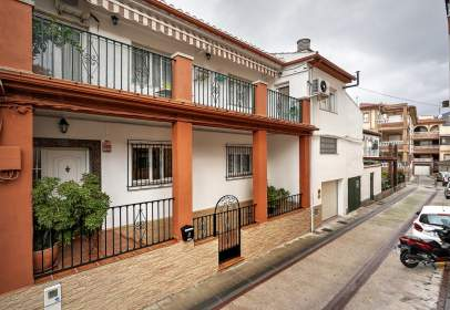 Terraced house in calle de la Venta, 4