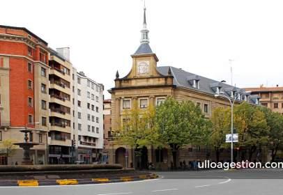 Piso en calle Navarro Villoslada, nº 1