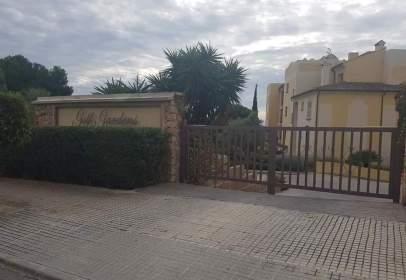 Garatge a Urbanización Golf Gardens.