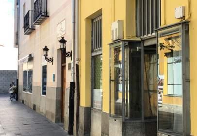 Local comercial a calle Enrique Larreta, nº 1A