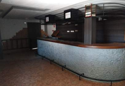 Commercial space in calle Cesar Iquilino Lara, nº 1