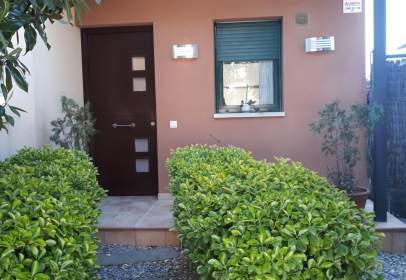 Casa adossada a calle de Dalt, nº 2