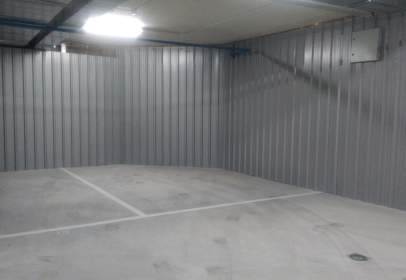 Garatge a calle Alvarfañez de Minaya