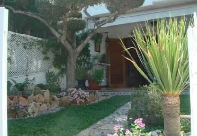 Casa adossada a calle El Palmeral