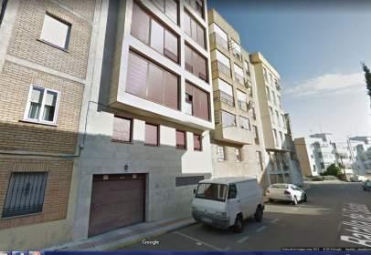 Garaje en Avenida de Hernán Cortés, cerca de Calle de la Batalla del Salado
