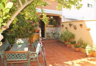 Casa adosada en calle de las Palomas