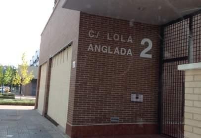 Garatge a calle Lola Anglada, nº 2