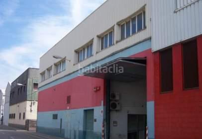 Industrial building in Carrer dels Motors, nº 162