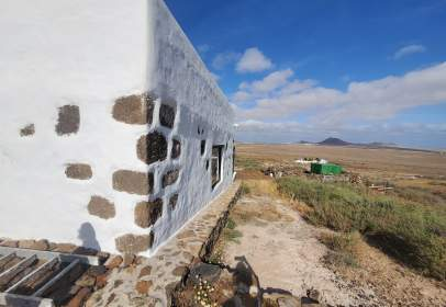 Casa rústica en calle Laderas de Famara