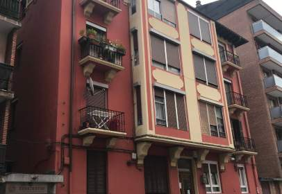 Flat in calle Antso Estegiz 9, nº 9