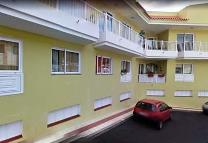 Flat in calle Santa Ana, nº 42