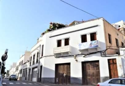 House in calle León y Catillo, nº 32