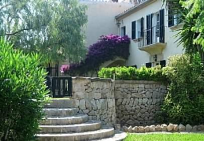 Casa en calle Genova