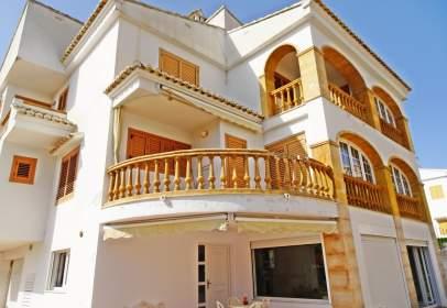 Single-family house in Carrer del Comtat