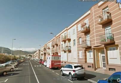 Flat in calle Rectora María Luísa Tejedor