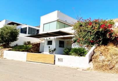 Casa unifamiliar a calle Las Negras Nijar